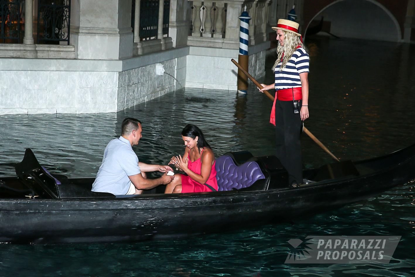 Chase And Leah S Las Vegas Venetian Hotel Surprise Gondola Proposal Paparazzi Proposals